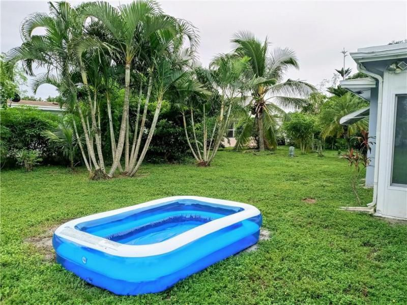 Paradise Gardens Sec 4 76 for Sale - 7190 NW 8th Ct, Margate 33063, photo 2 of 11