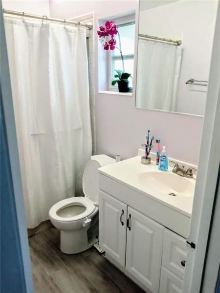 Paradise Gardens Sec 4 76 for Sale - 7190 NW 8th Ct, Margate 33063, photo 8 of 11