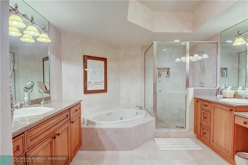 Renaissance On The Ocean for Sale - 6051 N Ocean Dr, Unit 1401, Hollywood 33019, photo 30 of 60