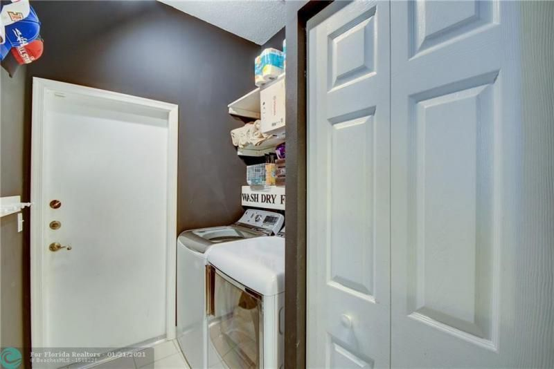 Holiday Spgs Village Sec for Sale - 3350 Greenview Terr EAST,, Margate 33063, photo 12 of 57