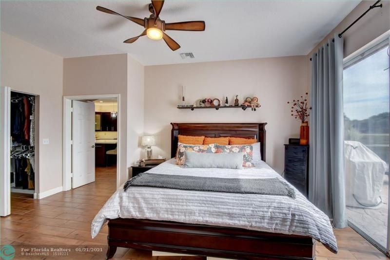 Holiday Spgs Village Sec for Sale - 3350 Greenview Terr EAST,, Margate 33063, photo 32 of 57