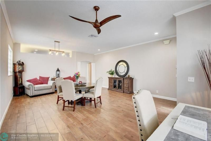 Holiday Spgs Village Sec for Sale - 3350 Greenview Terr EAST,, Margate 33063, photo 5 of 57