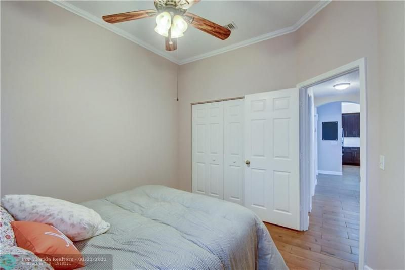 Holiday Spgs Village Sec for Sale - 3350 Greenview Terr EAST,, Margate 33063, photo 9 of 57