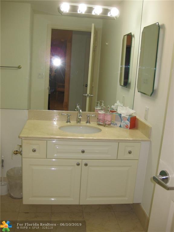 L'Hermitage for Sale - 3100 N Ocean Blvd, Unit 2006, Fort Lauderdale 33308, photo 14 of 22