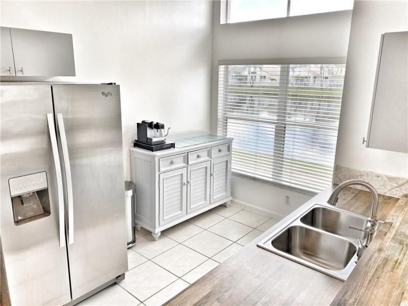 Wiles/butler One 160-18 B for Sale - 5414 NW 50th Ct, Coconut Creek 33073, photo 3 of 38