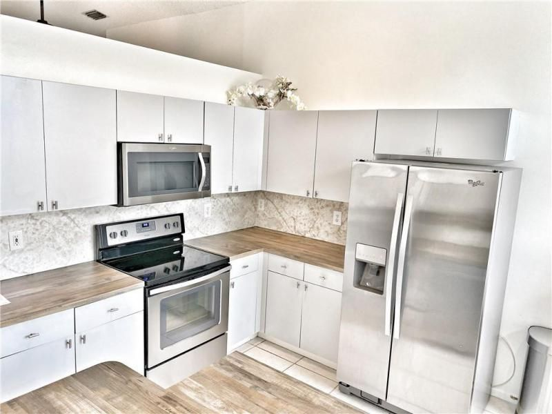 Wiles/butler One 160-18 B for Sale - 5414 NW 50th Ct, Coconut Creek 33073, photo 5 of 38