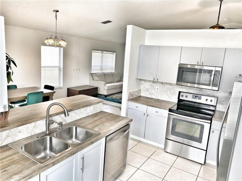 Wiles/butler One 160-18 B for Sale - 5414 NW 50th Ct, Coconut Creek 33073, photo 6 of 38