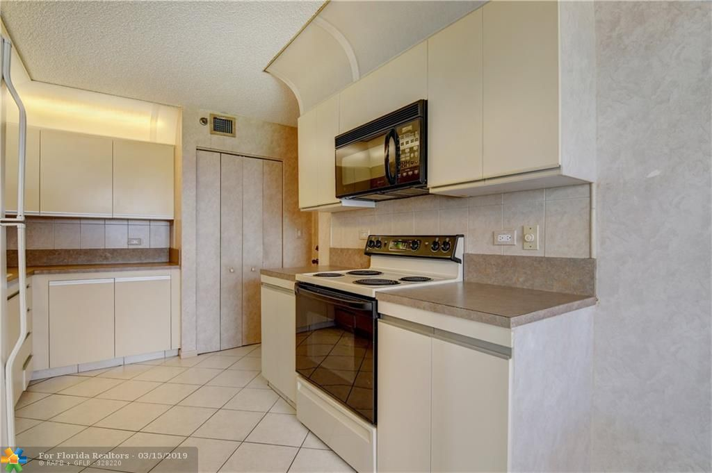 Summit for Sale - 1201 S OCEAN DRIVE, Unit 1702, Hollywood 33019, photo 9 of 25