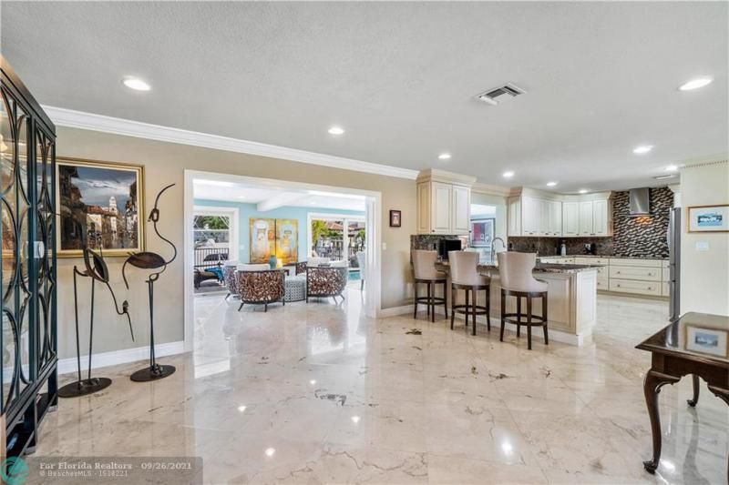 Venetian Isles for Sale - 4230 NE 24th Ave, Lighthouse Point 33064, photo 12 of 44
