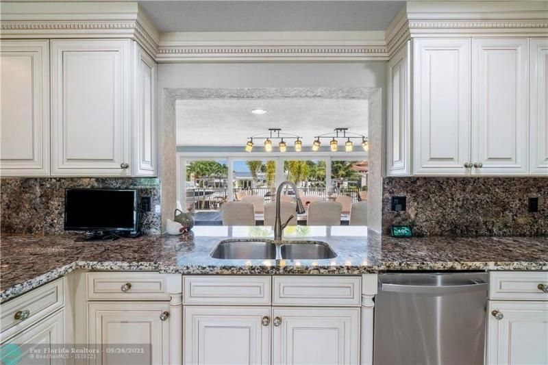Venetian Isles for Sale - 4230 NE 24th Ave, Lighthouse Point 33064, photo 14 of 44