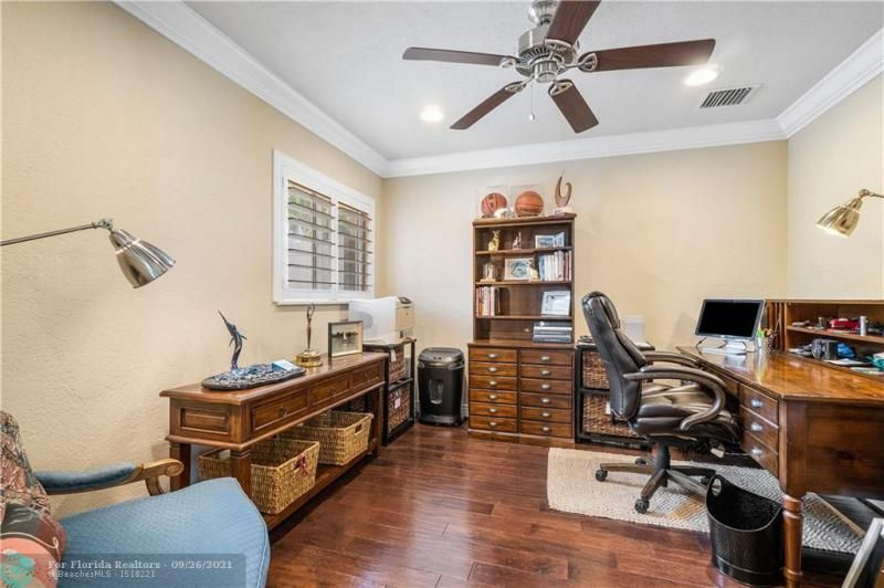Venetian Isles for Sale - 4230 NE 24th Ave, Lighthouse Point 33064, photo 23 of 44