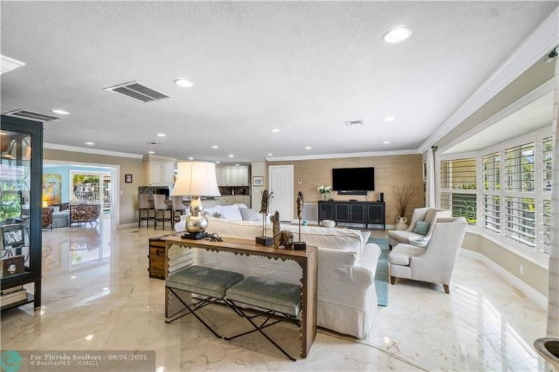 Venetian Isles for Sale - 4230 NE 24th Ave, Lighthouse Point 33064, photo 8 of 44