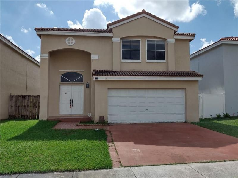 The Palm Island 151-31 B for Sale - 7496 Viscaya Cir, Margate 33063, photo 1 of 11