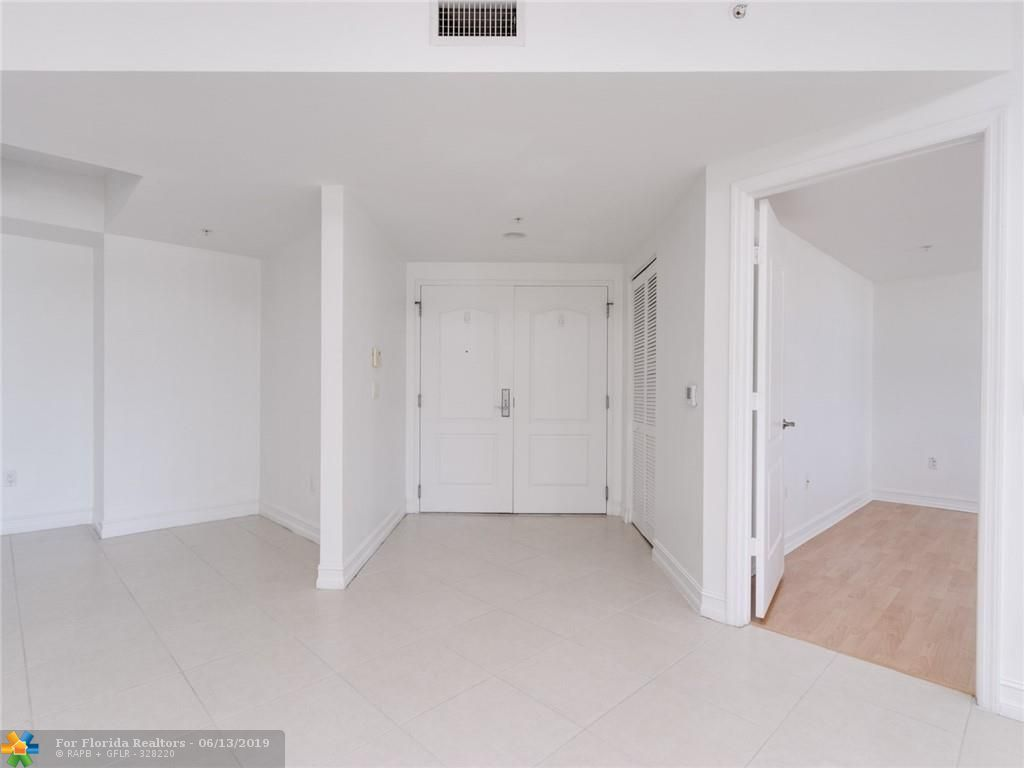 1 Ocean Boulevard for Sale - 101 SE 20th Ave, Unit 203, Deerfield Beach 33441, photo 22 of 31