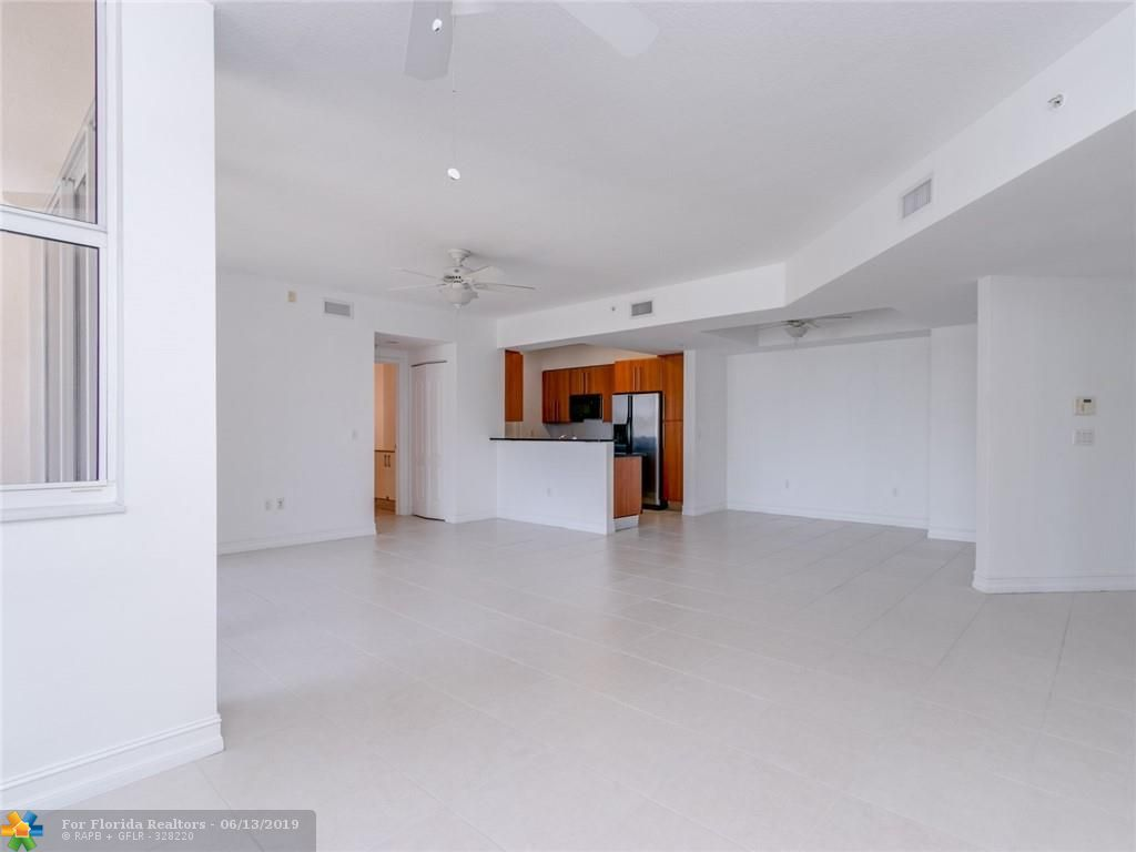 1 Ocean Boulevard for Sale - 101 SE 20th Ave, Unit 203, Deerfield Beach 33441, photo 25 of 31