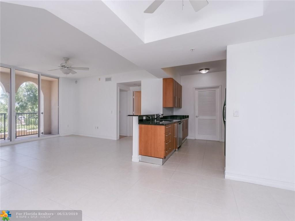 1 Ocean Boulevard for Sale - 101 SE 20th Ave, Unit 203, Deerfield Beach 33441, photo 29 of 31