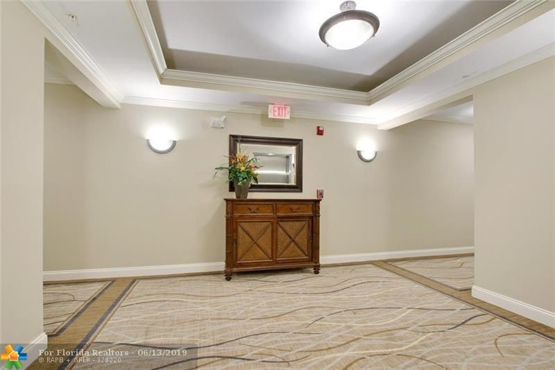 1 Ocean Boulevard for Sale - 101 SE 20th Ave, Unit 203, Deerfield Beach 33441, photo 4 of 31
