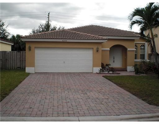 Breeding Prop 165-19 B for Sale - 4244 NW 38th Dr, Coconut Creek 33073, photo 1 of 7