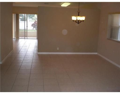 Breeding Prop 165-19 B for Sale - 4244 NW 38th Dr, Coconut Creek 33073, photo 2 of 7