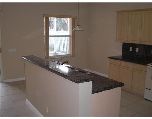 Breeding Prop 165-19 B for Sale - 4244 NW 38th Dr, Coconut Creek 33073, photo 4 of 7