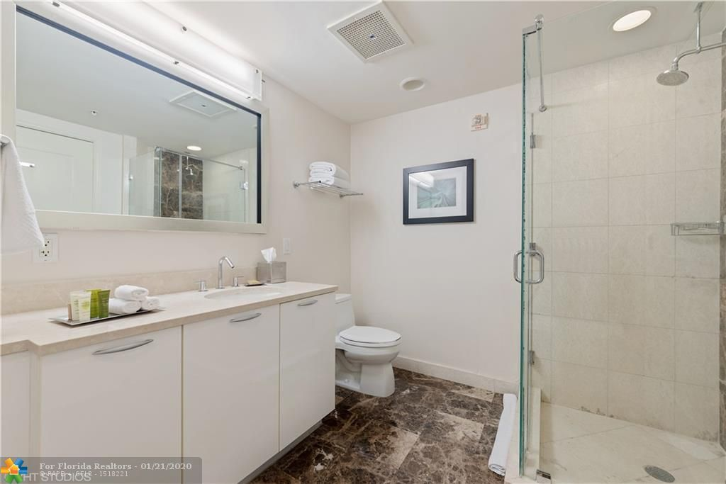 Q Club for Sale - 505 N Fort Lauderdale Beach Blvd, Unit 2211, Fort Lauderdale 33304, photo 5 of 8