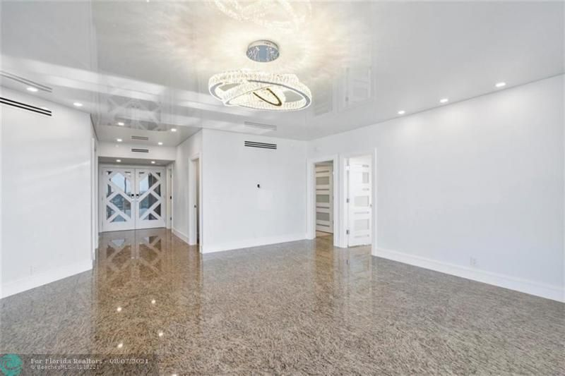 L'Hermitage for Sale - 3100 N Ocean Blvd, Unit 2401, Fort Lauderdale 33308, photo 15 of 68