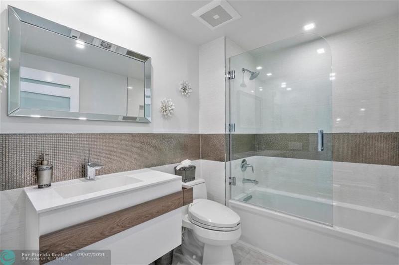 L'Hermitage for Sale - 3100 N Ocean Blvd, Unit 2401, Fort Lauderdale 33308, photo 38 of 68