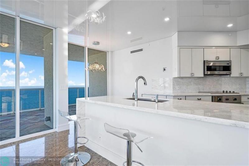 L'Hermitage for Sale - 3100 N Ocean Blvd, Unit 2401, Fort Lauderdale 33308, photo 39 of 68
