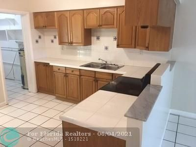 North Margate 1st Add for Sale - 2581 NW 64th Ter, Margate 33063, photo 4 of 11