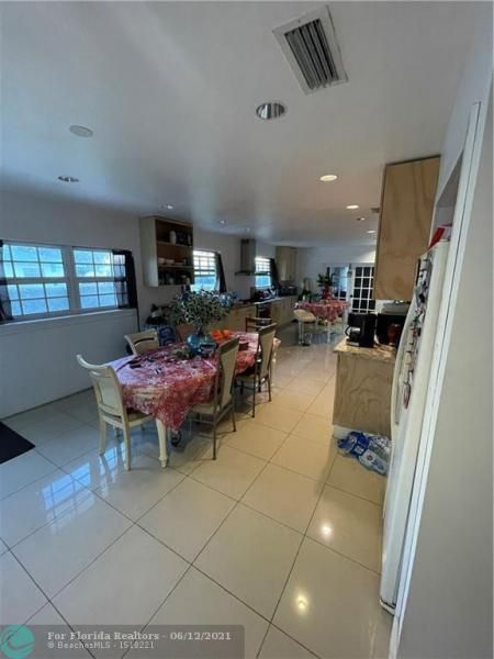 Not Applicable for Sale - 700 SW 2nd Ter, Dania 33004, photo 2 of 5