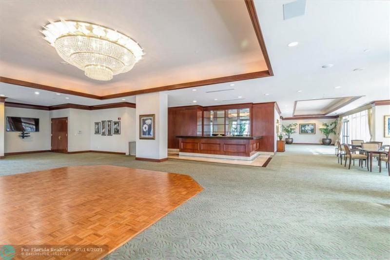 L'Hermitage for Sale - 3100 N Ocean Blvd, Unit 405, Fort Lauderdale 33308, photo 41 of 42