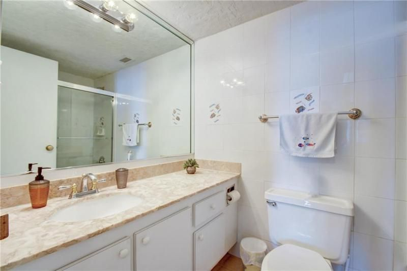 Sea Air Towers for Sale - 3725 S Ocean Dr, Unit 1421, Hollywood 33019, photo 11 of 47