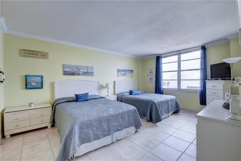Sea Air Towers for Sale - 3725 S Ocean Dr, Unit 1421, Hollywood 33019, photo 4 of 47