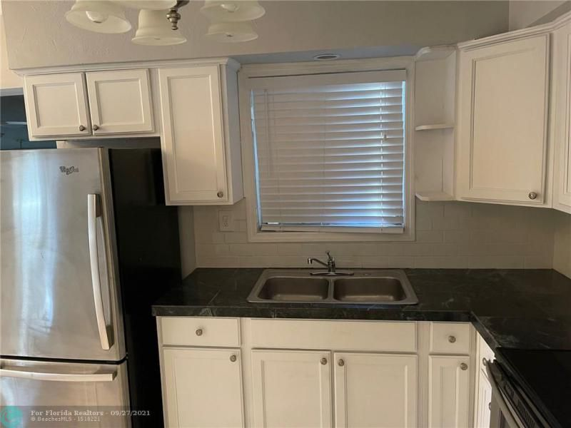 Westgate Heights 37-32 B for Sale - 3101 NW 5th St, Lauderhill 33311, photo 11 of 23