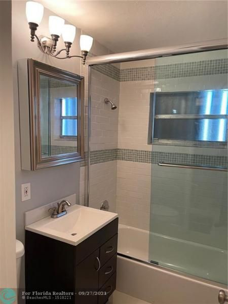 Westgate Heights 37-32 B for Sale - 3101 NW 5th St, Lauderhill 33311, photo 18 of 23