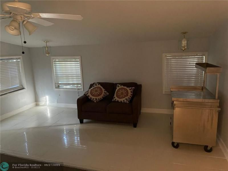 Westgate Heights 37-32 B for Sale - 3101 NW 5th St, Lauderhill 33311, photo 5 of 23