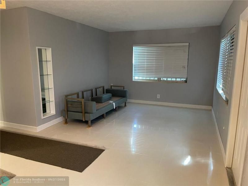 Westgate Heights 37-32 B for Sale - 3101 NW 5th St, Lauderhill 33311, photo 8 of 23