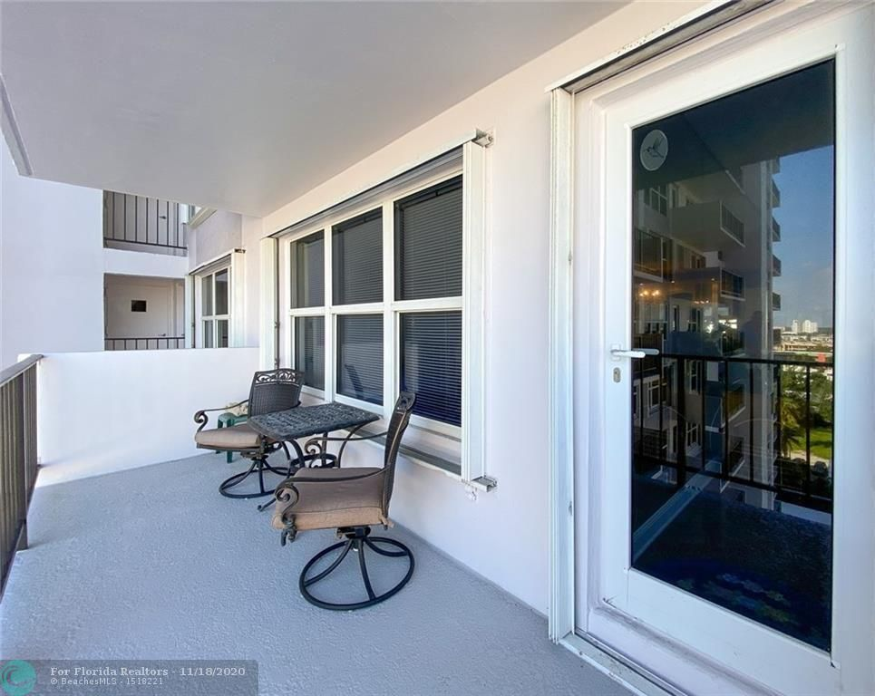 Parliament House for Sale - 405 N Ocean Blvd, Unit 923, Pompano Beach 33062, photo 13 of 37