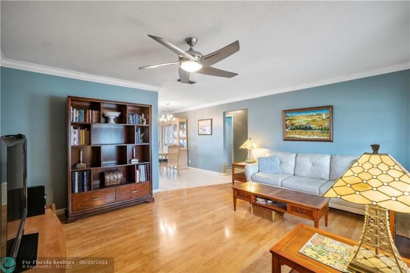 Paradise Gardens Sec 2 for Sale - 6755 NW 15th St, Margate 33063, photo 10 of 27