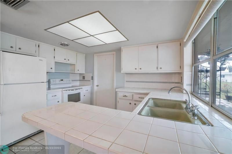 Paradise Gardens Sec 2 for Sale - 6755 NW 15th St, Margate 33063, photo 17 of 27