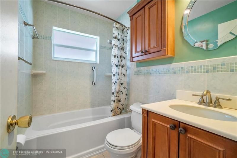 Paradise Gardens Sec 2 for Sale - 6755 NW 15th St, Margate 33063, photo 22 of 27