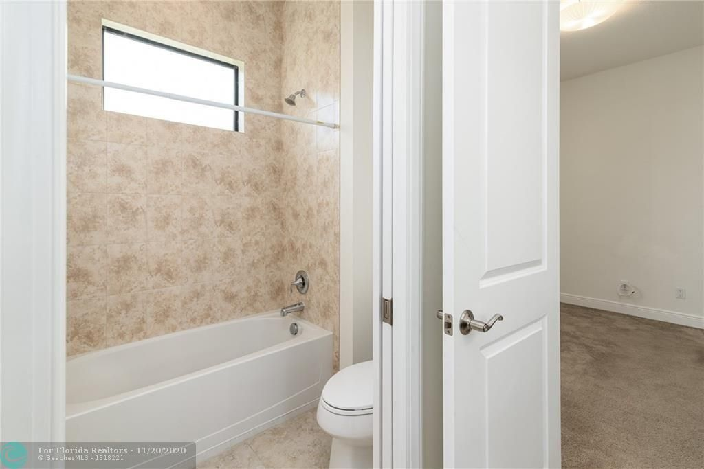 Heron Bay for Sale - 11220 NW 82nd Pl, Parkland 33076, photo 19 of 48