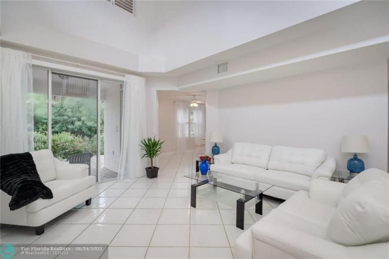 Hollywood Beach Park No 2 for Sale - 800 NATURE'S COVE RD, Dania 33004, photo 12 of 47