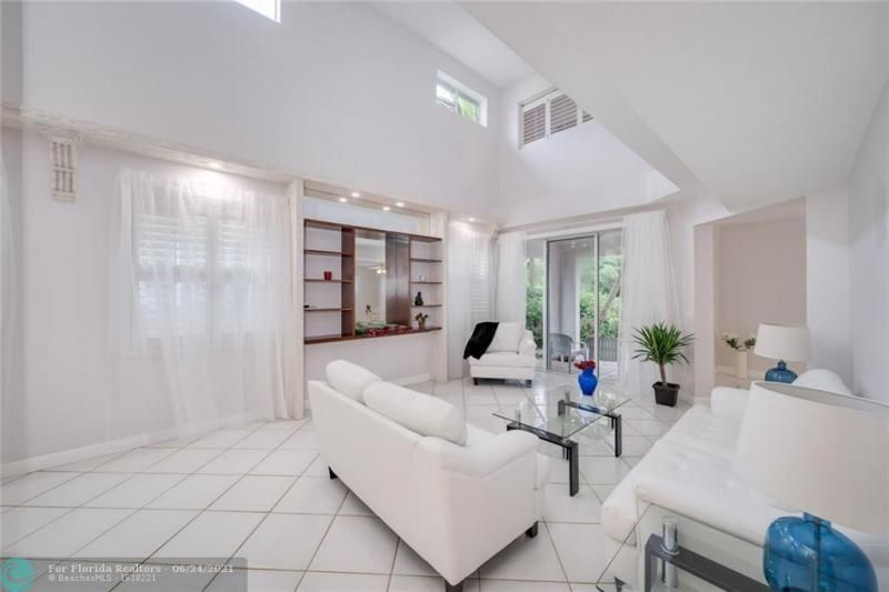 Hollywood Beach Park No 2 for Sale - 800 NATURE'S COVE RD, Dania 33004, photo 13 of 47