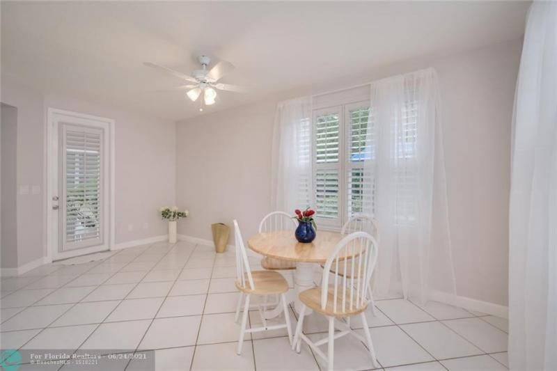 Hollywood Beach Park No 2 for Sale - 800 NATURE'S COVE RD, Dania 33004, photo 17 of 47
