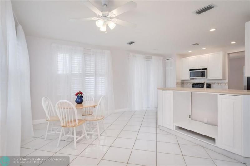 Hollywood Beach Park No 2 for Sale - 800 NATURE'S COVE RD, Dania 33004, photo 19 of 47