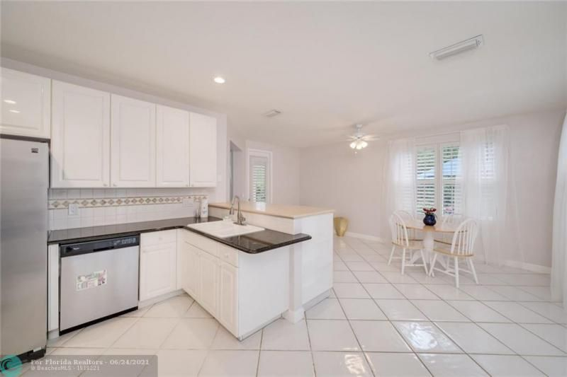 Hollywood Beach Park No 2 for Sale - 800 NATURE'S COVE RD, Dania 33004, photo 23 of 47