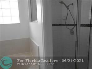 Hollywood Beach Park No 2 for Sale - 800 NATURE'S COVE RD, Dania 33004, photo 25 of 47