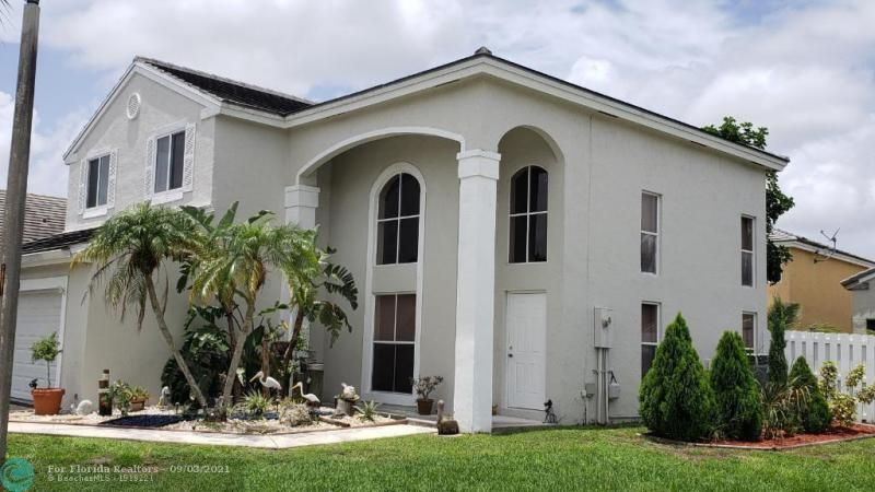 Winston Park Sec One 131- for Sale - 5205 NW 54th St, Coconut Creek 33073, photo 2 of 7