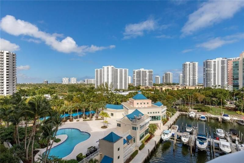 Aventura Marina for Sale - 3340 NE 190th St, Unit 807, Aventura 33180, photo 12 of 34